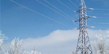 На Прикарпатті  внаслідок наїзду автомобіля впала електроопора