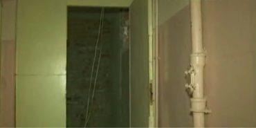 На Прикарпатті матері-одиначці з трьома дітьми виділили квартиру без світла та опалення