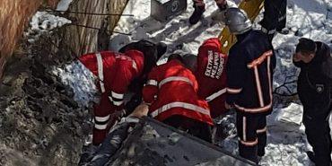 У поліції розповіли деталі інциденту з бетонною плитою у Коломиї