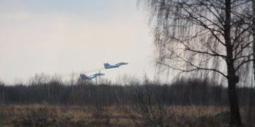 На Прикарпатті триває підготовка військових авіаторів. ФОТО