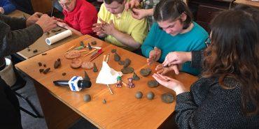 За ініціативи волонтера Корпусу Миру у Коломиї провели майстер-клас для особливих дітей. ФОТО
