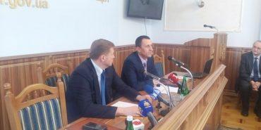 Голова Печеніжинськоі ОТГ отримав грамоту від Гройсмана після перемоги у шоу