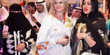 """Прикарпатка одягає у власні дизайнерські """"вишиванки"""" мешканок Саудівської Аравії. ФОТО"""
