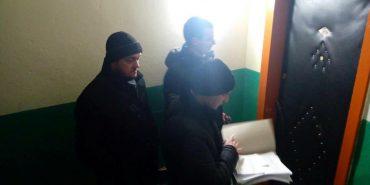 На Франківщині виконавча служба здійснює нічні рейди до неплатників аліментів. ФОТО