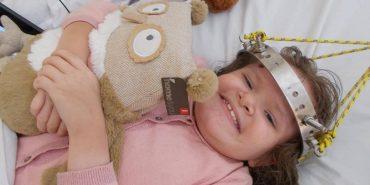 8-річній прикарпатці потрібна фінансова допомога для операції на хребті