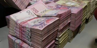 Правоохоронці Коломийщини затримали коломиянина, який видурив у людей 2,6 млн грн