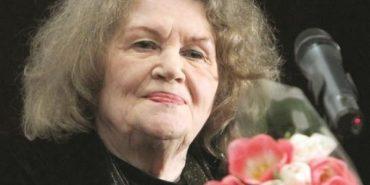 Ліна Костенко особисто подарує прикарпатцям свою поезію