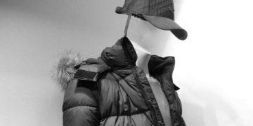 У Коломиї з манекену в магазині вкрали куртку