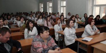 На Франківщині випускників медколеджу запрошують на стажування до Польщі