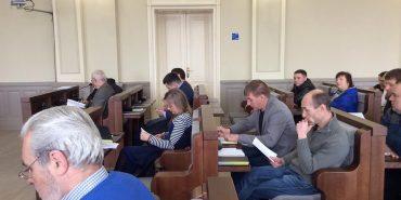 Про порушення графіку руху автобусів та потребу нових рейсів говорили на засіданні виконкому в Коломиї. ФОТО