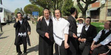 """Євреї з цілого світу прибули на Прикарпаття, щоб """"поклонитись своїм предкам"""". ФОТО"""