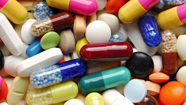 В Україні заборонили відомий препарат від кашлю