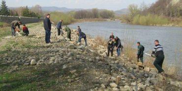 На Прикарпатті укріплюють береги річки Бистриці