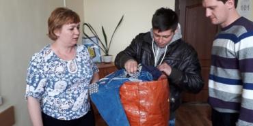 Прикарпатській сім'ї Червоний Хрест вручив гуманітарну допомогу