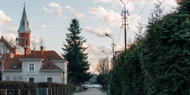 Цілий день небо буде вкрите хмарами, без опадів: погода в Коломиї 29 березня