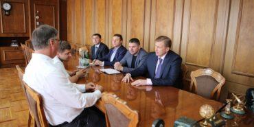 """На Прикарпатті обговорили питання будівництва другого заводу """"Leoni"""""""