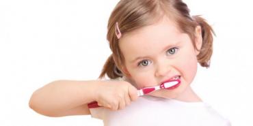У МОЗ розповіли, як зберегти зуби здоровими
