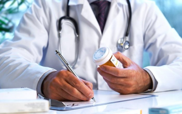 Тариф на дитину — у 4 рази більший: у МОЗ розповіли, скільки отримуватимуть лікарі за кожного пацієнта