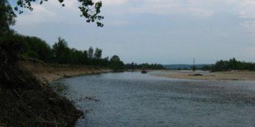 На Прикарпатті другий день шукають зниклого у річці чоловіка