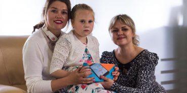 """У фотоконкурсі від БФ """"Покуття"""" перемогла і виграла планшет 8-річна вихованка Печеніжинської школи-інтернат. ФОТО"""
