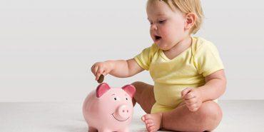 Держава платитиме працюючим батькам, які винаймають няню своїй дитині: як це відбуватиметься