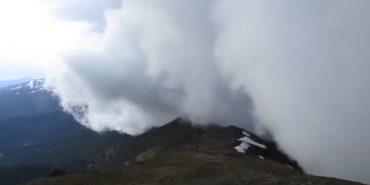 У мережі оприлюднили відео бурі на горі Піп Іван