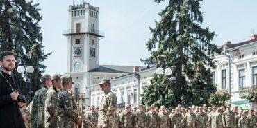 """""""Ми прийшли з війни додому"""": зворушливе відео повернення легендарної 10-ої бригади до Коломиї"""
