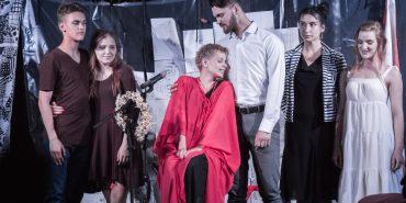 """У полоні бога Ероса. Новий театр """"Соломія"""" у Коломиї як нещадний дослідник жінки. ФОТО"""