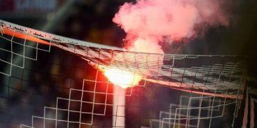 На Коломийщині під час матчу фанати контузили футболіста петардою