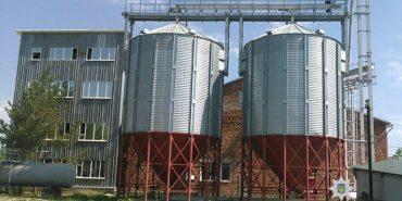 На Франківщині викрили нелегальний спиртзавод з потужністю понад 100 тонн на місяць. ФОТО