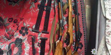 Понад 10 тисяч патронів і купу зброї зберігав удома мешканець Прикарпаття. ФОТО