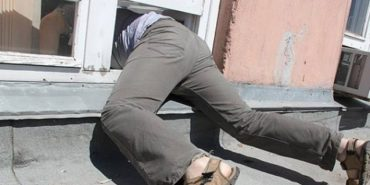 Заліз через кватирку: 28-річний закарпатець грабував квартири коломиян