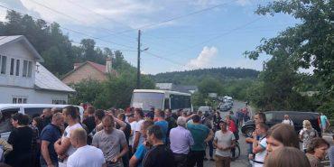 Протестувальники обіцяють знову перекрити дорогу на Прикарпатті. ФОТО
