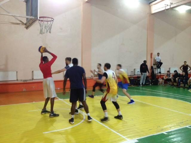 Перший етап Відкритого чемпіонату області з баскетболу пройшов у Коломиї. ФОТО