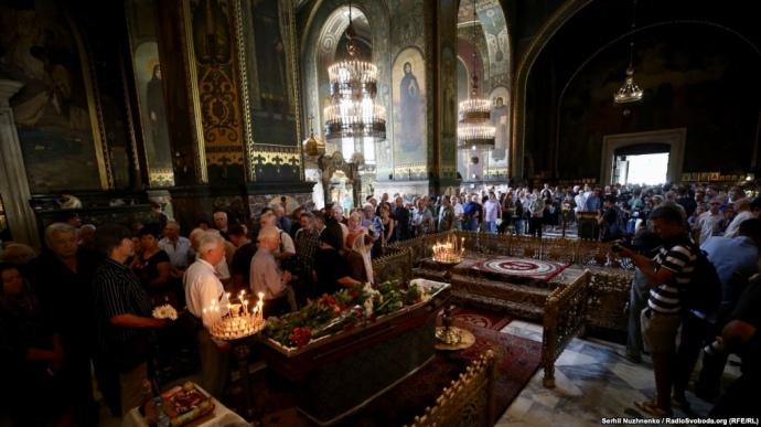 У Києві прощаються з відомим поетом Іваном Драчем