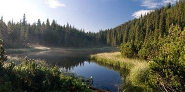 Топ-10 вражаючих озер України, які потрібно відвідати
