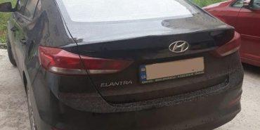 """На Франківщині таксист """"під кайфом"""" вп'яте попався патрульним. ФОТО"""
