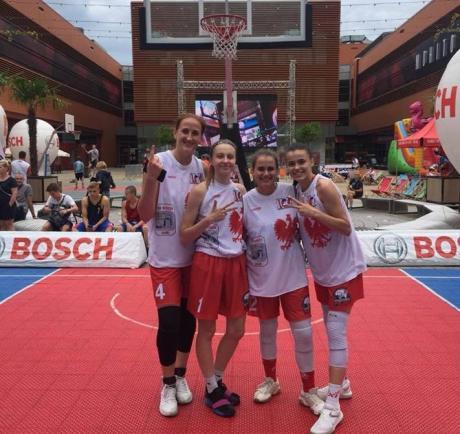 Баскетболістки з Прикарпаття тріумфували на престижному турнірі в Польщі