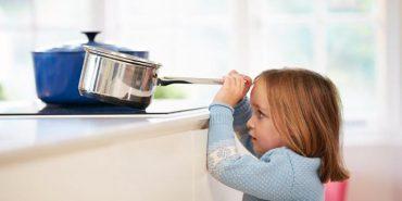 Як захистити дитину від опіків: поради від МОЗ