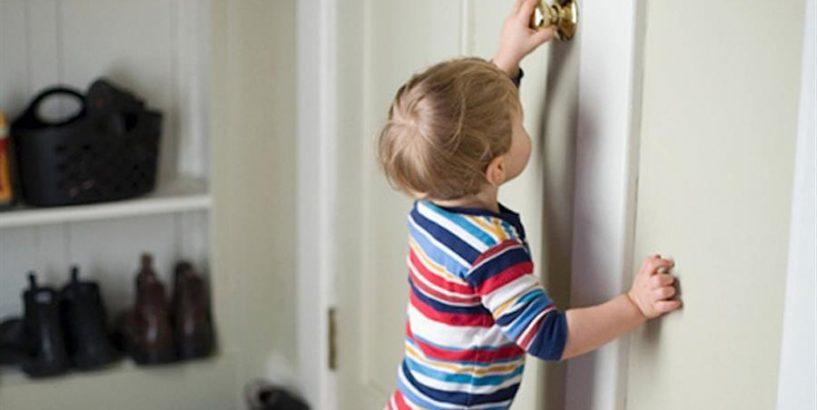 У Івано-Франківську в квартирі зачинилася малолітня дитина