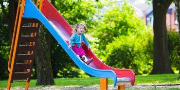 Як вберегти дитину від травм на дитячому майданчику і коли звертатися до лікаря