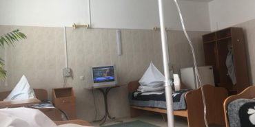 На Франківщині двоє патрульних потрапили до лікарні після обіду в кафе. ФОТО