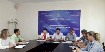 У Печеніжинській ОТГ обговорювали наповнення бюджету та легалізацію зарплати. ВІДЕО