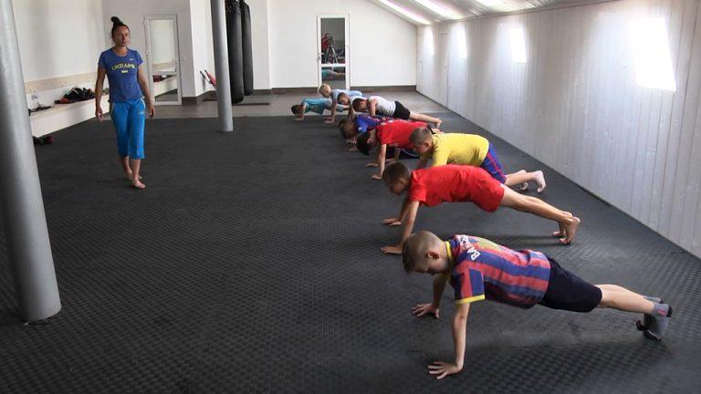 У Коломиї діє літній оздоровчо-спортивний табір для дітей. ВІДЕО