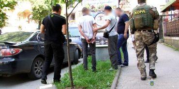 На Франківщині затримали рецидивістів, причетних до серії пограбувань. ФОТО