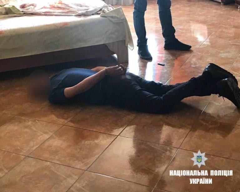 На Прикарпатті злодій викрав з автомобіля $4000 та понад 50 тис. грн. ФОТО