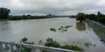 На Франківщині річки Луква та Лімниця виходять з берегів. ФОТО