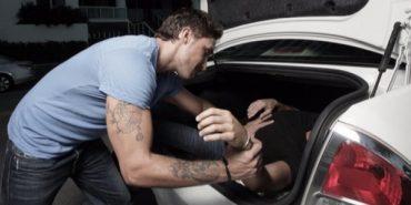 Поліція знайшла чоловіка, якого троє невідомих на авто викрали у середмісті