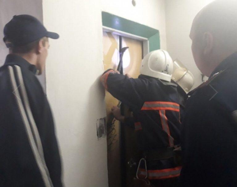 На Прикарпатті ліфт з людьми зірвався з дев'ятого поверху. ФОТО