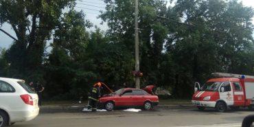 В Івано-Франківську загорівся автомобіль. ФОТО